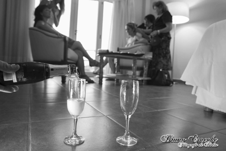 mercedes-juan-vigo-arnao-getting-ready-salto-bruno-espeche-pela-fotografo-wedding-photo-destination-destino-fotos-casamento (6)