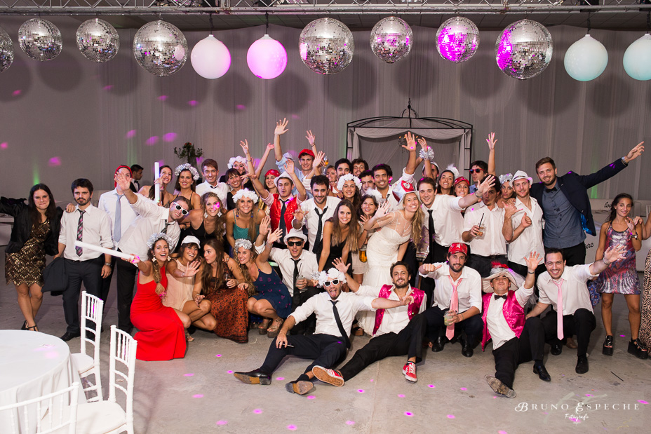 foto final grupo boda howard johnson pergamino