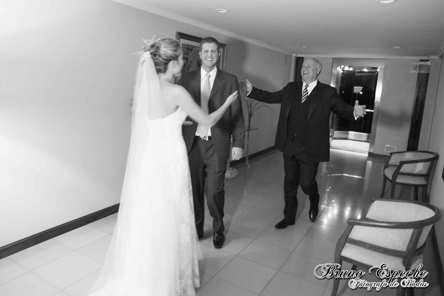 mercedes-juan-vigo-arnao-getting-ready-salto-bruno-espeche-pela-fotografo-wedding-photo-destination-destino-fotos-casamento (12)